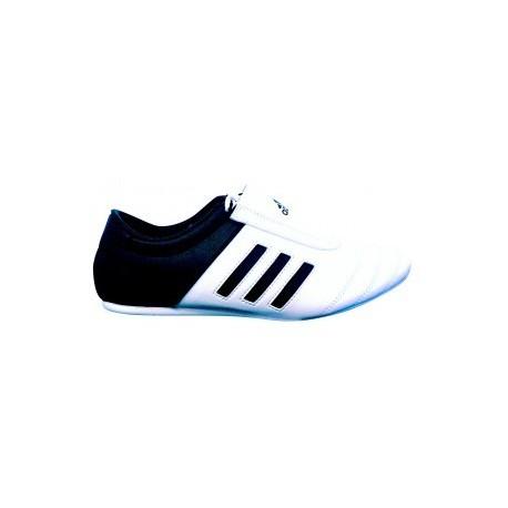 chaussure tkd Arts Martiaux Lyonnais et Sports de Combat